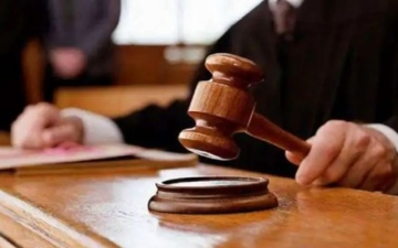 الصورة: الصورة: يطالب بـ 121 ألف درهم تعويضاً عن بلاغ كيدي والمحكمة ترفض