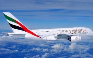 """الصورة: الصورة: """"طيران الإمارات"""" تبدأ في قبول المسافرين المؤهلين إلى لندن وبرمنغهام"""