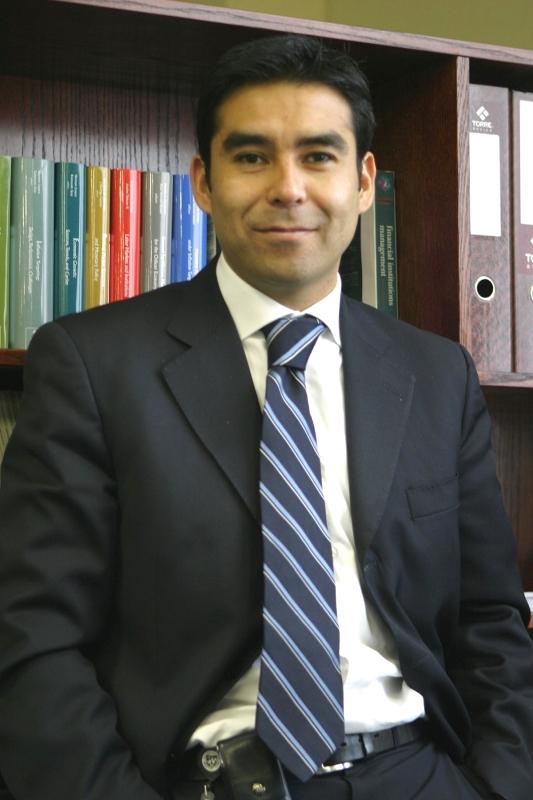 الصورة : إريك بارادو - كبير الاقتصاديين في بنك التنمية للبلدان الأمريكية.