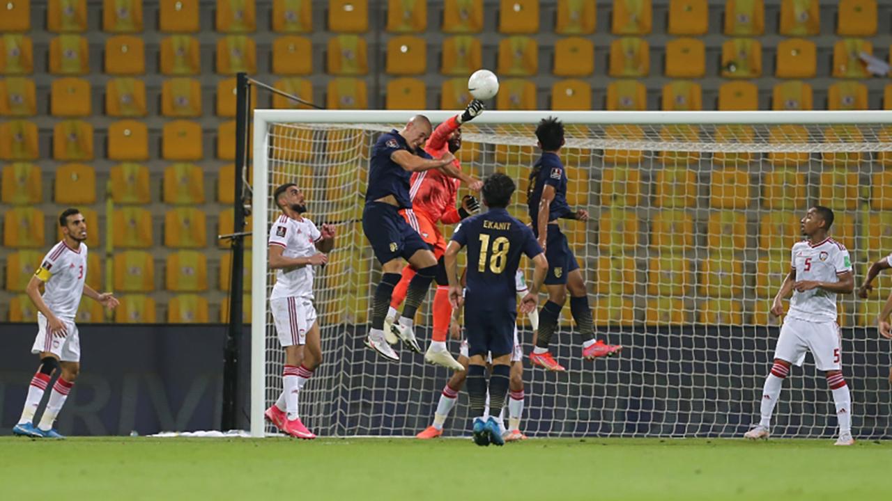الصورة : جانب من مباراة منتخبنا وتايلاند   تصوير: غلام كاركر
