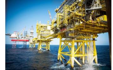 الصورة: الصورة: 1.8 % تراجع في أسعار عقود النفط الآجلة في نيويورك