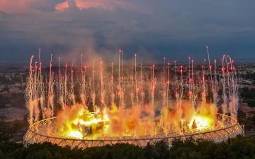 الصورة: الصورة: انطلاق بطولة أوروبا المؤجلة بعرض مبهر للألعاب النارية والبالونات