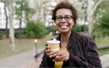 الصورة: الصورة: 3 أكواب قهوة يومياً لحياة مديدة