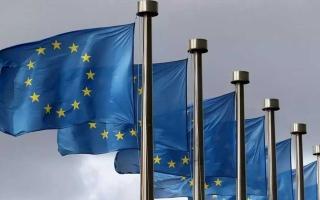 الصورة: الصورة: الاتحاد الأوروبي يوافق على استقبال المسافرين من 8 دول