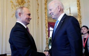 الصورة: الصورة: بايدن يلتقي بوتين في بداية قمتهما في جنيف