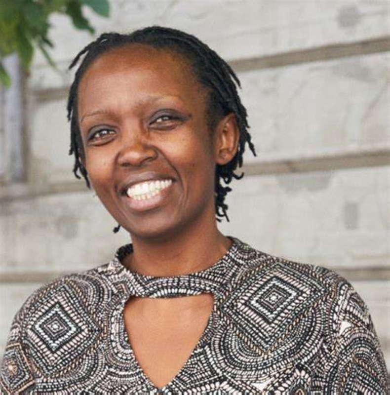 الصورة : كوني نشميريروي - عضو باللجنة التوجيهية لبرنامج القيادة العلمية لأفريقيا في الحرم الجامعي لمستقبل أفريقيا بجامعة بريتوريا، وميسرة مستقلة للعلوم والسياسات، وباحثة تربوية ورئيسة مشاركة سابقة لأكاديمية الشباب العالمية.