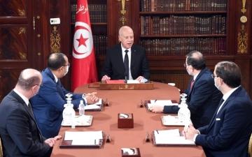 الصورة: الصورة: هل تخرج تونس من عنق الزجاجة؟