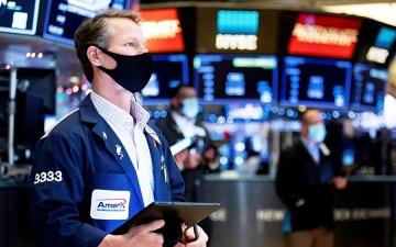 الصورة: الصورة: 1.2 تريليون دولار تدفقات الصناديق إلى الأسهم في عام