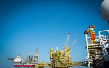 الصورة: الصورة: «أوبك» تتلقى توقعات بنمو محدود لإنتاج النفط الأمريكي