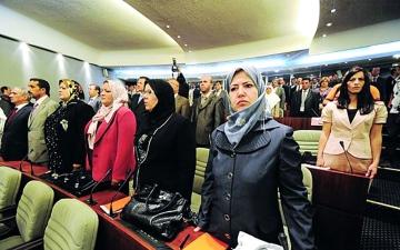 الصورة: الصورة: «إلغاء نظام الحصص» يحرم النساء من تمثيل أكبر في انتخابات الجزائر