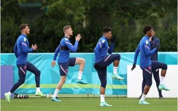 الصورة: الصورة: إنجلترا تنقل معسكرها التدريبي لرفع المعنويات قبل لقاء التشيك