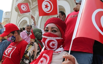 الصورة: الصورة: تونس بين تفاقم الأزمات وخيار الانتخابات المبكرة