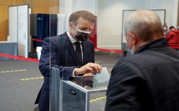 الصورة: الصورة: انتكاسة لليمين المتطرّف في الانتخابات المحلية الفرنسية