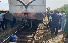 الصورة: الصورة: مصر .. قطار يدهس سيارتين تقلان عمالاً في حلوان