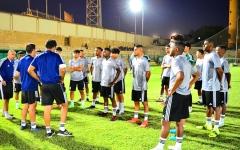 الصورة: الصورة: «الأبيض الشاب» الالتزام سر «الثمانية» في كأس العرب