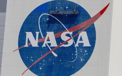 الصورة: الصورة: ناسا تايد.. مسحوق غسيل لتنظيف الملابس في الفضاء