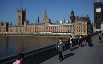 الصورة: الصورة: بريطانيا تعتزم السماح لمواطنيها المطعَّمين بالسفر