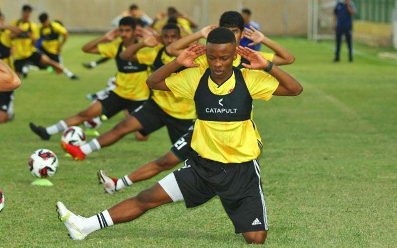 الصورة: الصورة: «الأبيض الشاب» يواجه طاجيكستان في كأس العرب اليوم