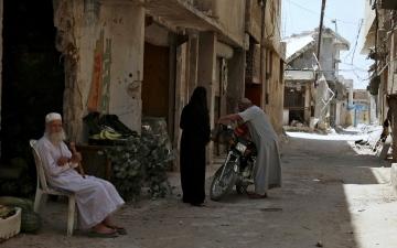 الصورة: الصورة: السوريون يعيشون نصف حياة  في أقدم العواصم