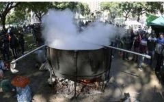 الصورة: الصورة: وفاة طباخ عراقي سقط في قدر الحساء