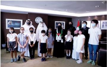 الصورة: الصورة: القنصل الياباني وطلاب المدرسة اليابانية بدبي يحتفون بوفد الإمارات المشارك بطوكيو