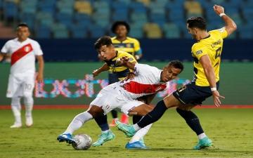 الصورة: الصورة: بيرو تتعافى من تأخرها بهدفين لتتعادل 2-2 مع الإكوادور