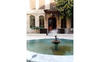 الصورة: الصورة: مسجد القطاط.. أحد أغرب المعالم في دمشق القديمة