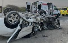الصورة: الصورة: وفاة مواطن في حادث انحراف وصدم عامود برأس الخيمة