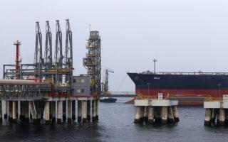 الصورة: الصورة: الوثائق البريطانية.. استكشاف النفط في المنطقة