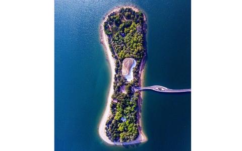 الصورة: الصورة: جزيرة النور.. أيقونة الجمال