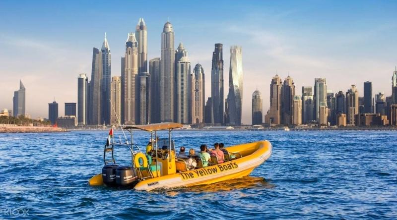 الصورة : تنوع الأنشطة السياحة يجذب الكثيرين في الإمارات   من المصدر