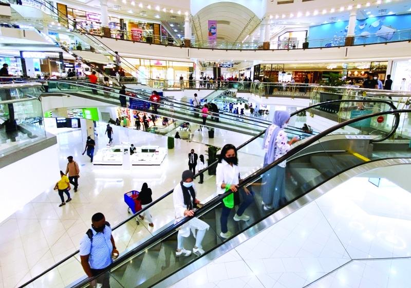 الصورة : نشاط متزايد في مراكز التسوق في دبي مع اقتراب عيد الأضحى | تصوير: زافير ويلسون