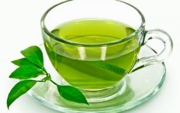 الصورة: الصورة: ماذا يحدث لجسمك إذا شربت الشاي الأخضر كل يوم؟