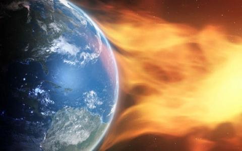 الصورة: الصورة: عاصفة شمسية قادمة ستضرب الأرض