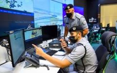 الصورة: الصورة: صفر وفيات و24 ألف مكالمة استقبلتها غرفة عمليات شرطة الشارقة خلال العيد
