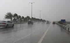 الصورة: الصورة: سقوط أمطار غزيرة ومتوسطة على العين والظفرة