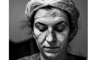الصورة: الصورة: الألم البرازيلي ينتزع الجائزة الكبرى لدورة «الإنسانية»