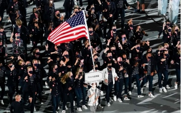 الصورة: الصورة: الأمريكية كاري تتوج بذهبية الحركات الأرضية