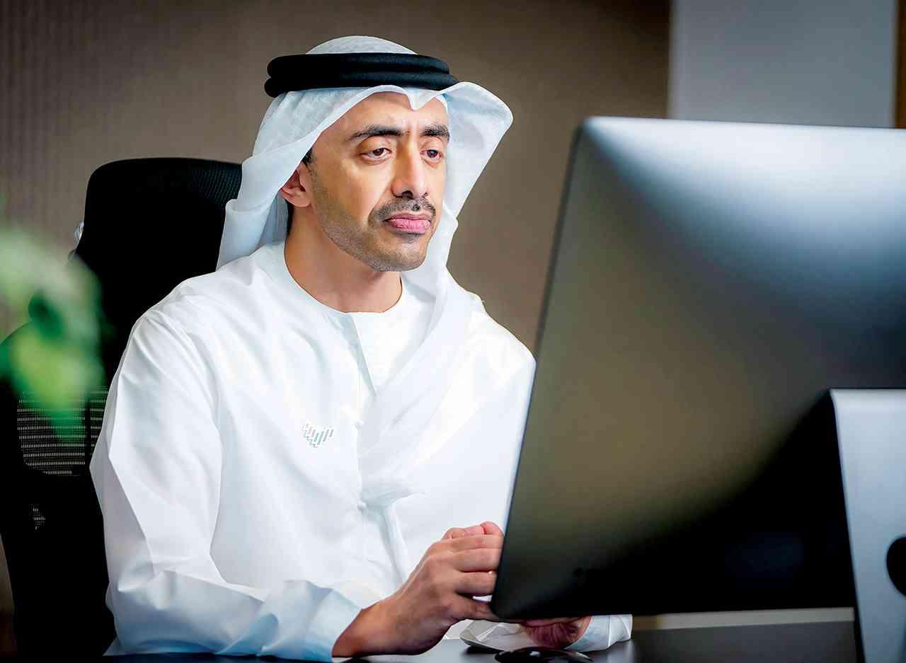 عبدالله بن زايد: «نافس» يبني جيلاً جديداً من الكفاءات المواطنة الموهوبة