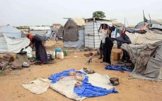 «البيان» ترصد تقريراً حكومياً يمنياً يفك شفرة المساعدات
