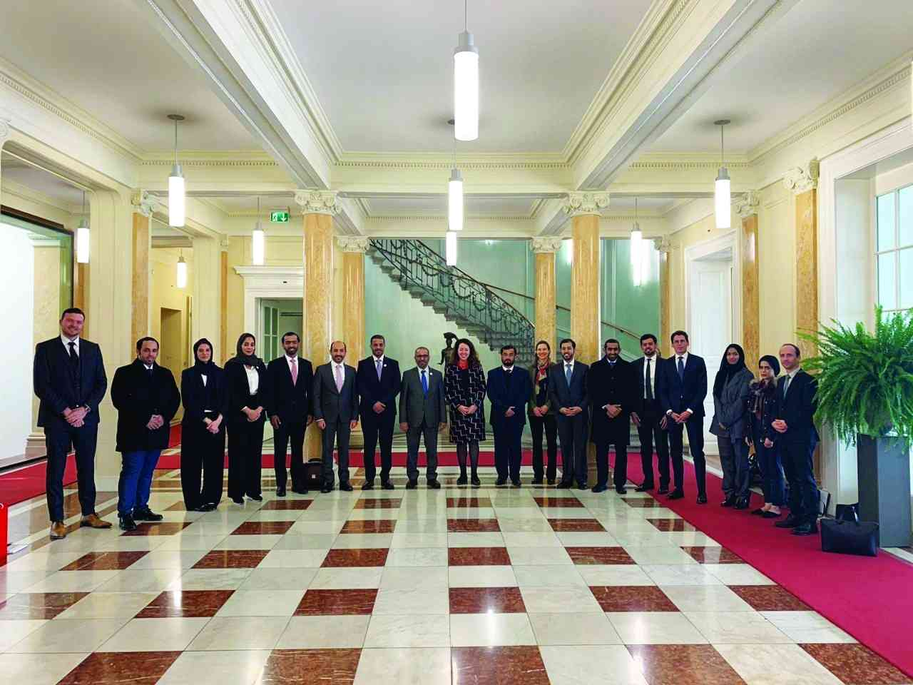 الصورة : اجتماع لجنة المشاورات السياسية الإماراتية - السويسرية في برن   أرشيفية