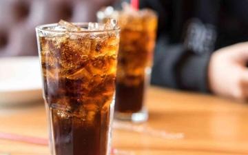 الصورة: الصورة: ماذا يحدث لجسمك بعد تناول المشروبات الغازية؟