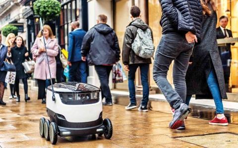 الصورة: الصورة: روبوتات التوصيل تغزو الشوارع البريطانية خلال الجائحة