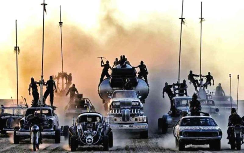 الصورة: الصورة: مزاد لـ 13 سيارة