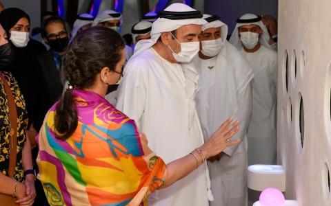 الصورة: الصورة: زكي نسيبة يتفقد جناح جامعة الإمارات في إكسبو2020 دبي