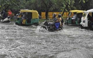 الصورة: الصورة: أمطار غزيرة تضرب جنوب شرق الهند