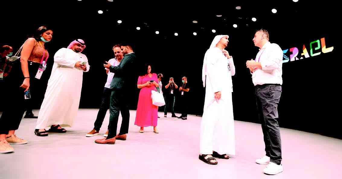 الصورة : إسرائيل.. افتتحت إسرائيل جناحها في «إكسبو 2020 دبي»، حيث رحب ميهاش غانز بالضيوف والزائرين خلال فترة الحدث الممتدة حتى شهر مارس من العام المقبل. وأعرب مفوض الجناح الإسرائيلي منشيم غانتز عن سعادته بافتتاح الجناح قائلاً: «إنها المرة الأولى لإكسبو في الشرق الأوسط، والمرة الأولى لنا في المشاركة بحدث بهذا الحجم في المنطقة العربية، سعداء بأن نكون هنا على أرض دبي».