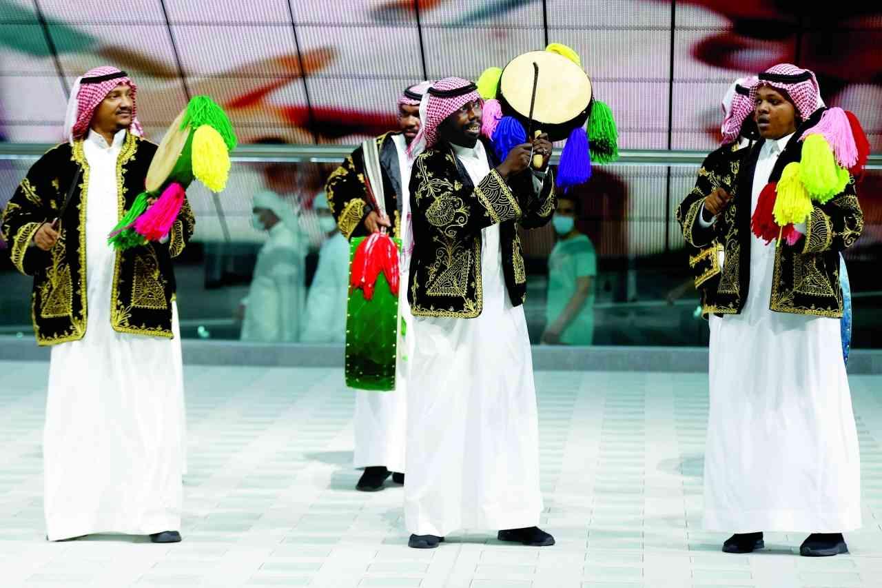 الصورة : » رقصة العرضة السعودية