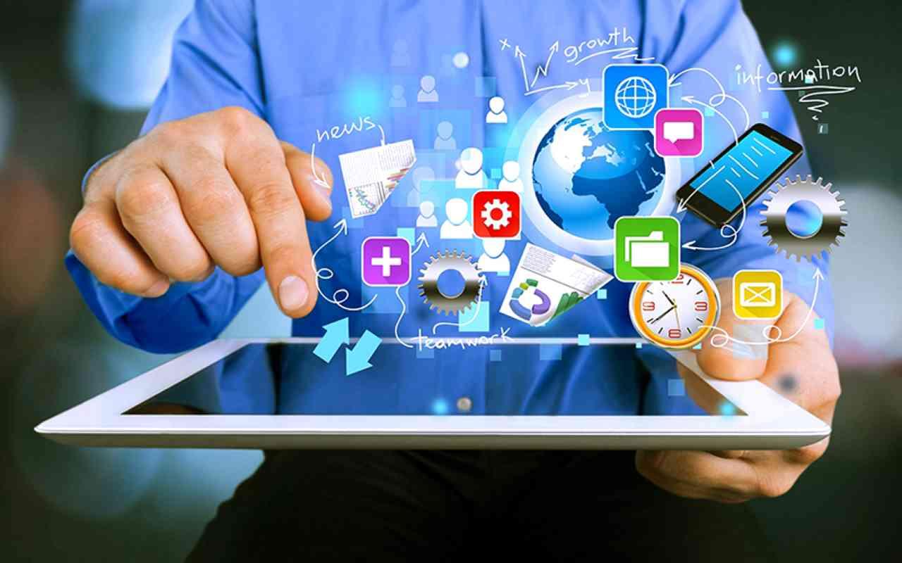 الصورة : جائحة «كوفيد 19» وسّعت استخدام التقنية في الاستثمار والأعمال والخدمات | البيان