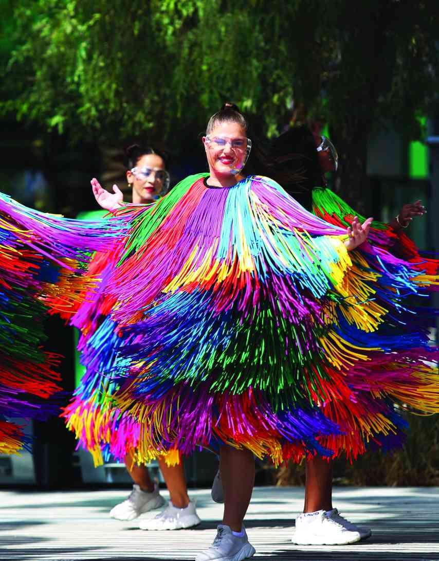 الصورة : » رقصات أوروبية